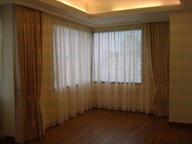 curtain_2
